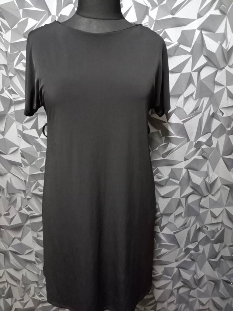 hurtownia odzieży używanej sukienka